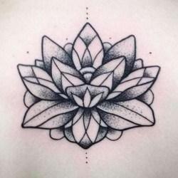 Цветок татуировка