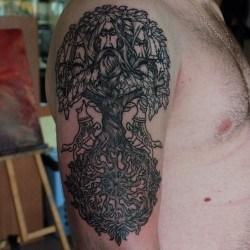 Тату дерево на голове