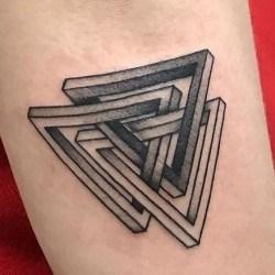 Сын згачение тату 3 треугольника вообще было интересно