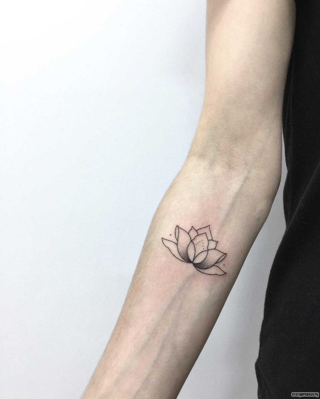 101 geometrically gorgeous minimalist tattoo ideas - HD 1080×1348