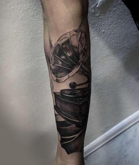 Граммофон на руке