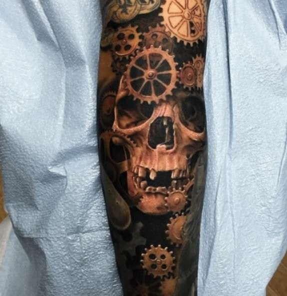 Татуировка техники, биомеханика