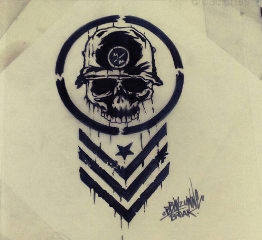 Эскиз нацистской татуировки в виде черепа в каске