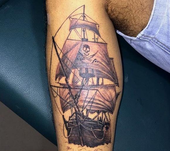 Татуировка пиратов - корабль