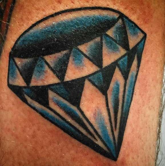 Бриллиант в виде татуировки, типичный вариант