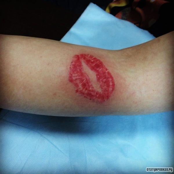 Татуировка губы