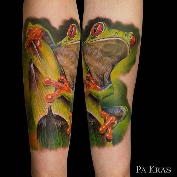 Татуировка зеленой лягушки