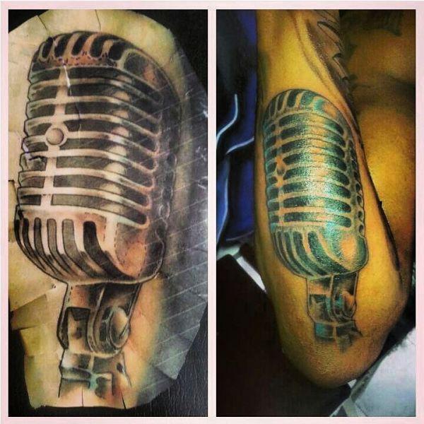 Татуировка студийного микрофона