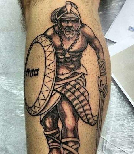 Воин с мечом и щитом