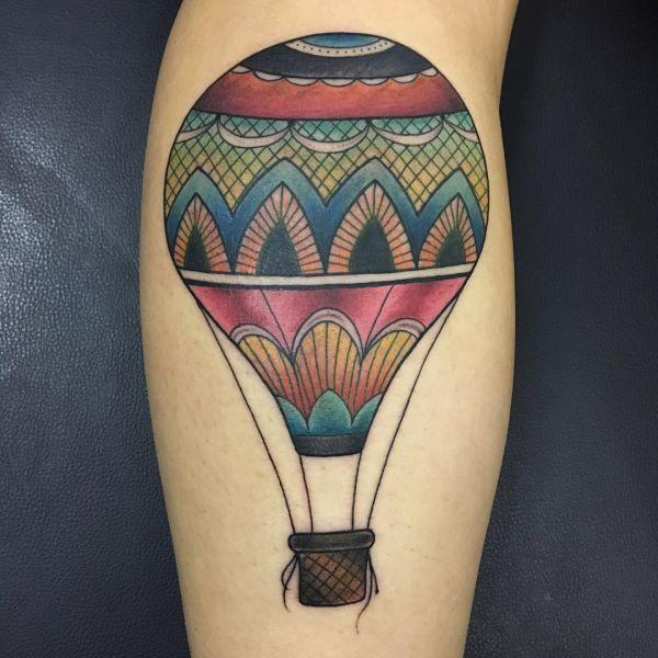 Большой воздушный шар в виде татуировки в олд скул стиле
