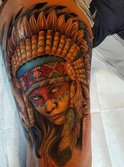 Девушка-индеец