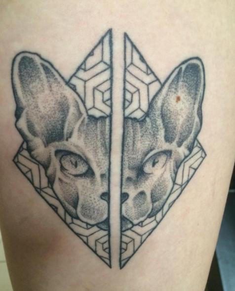 Татуировка сфинкс узорами