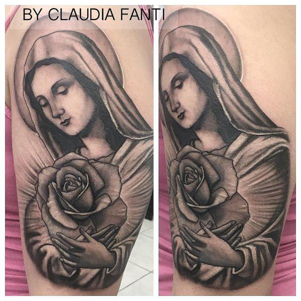 Татуировка Божьей Матери с розой
