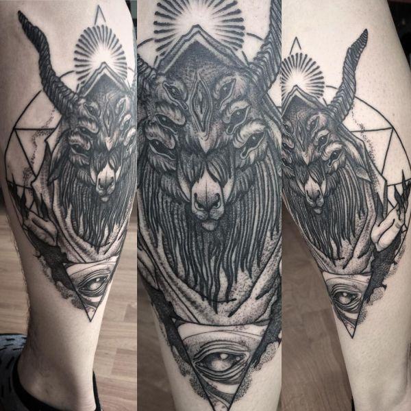 Татуировка черного козла с глазом