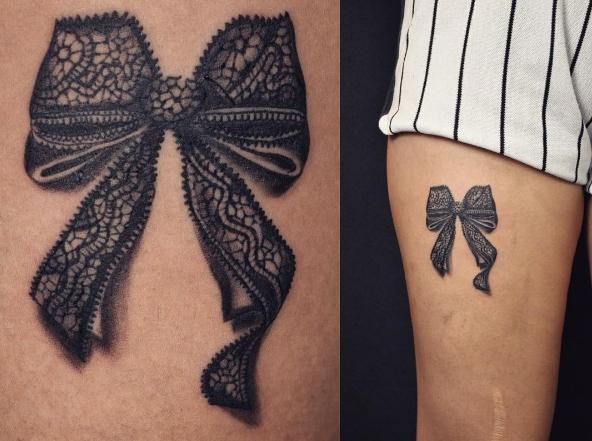 Бантик из кружева на ноге в виде татуировки