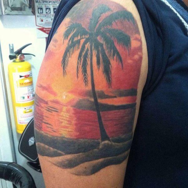 Пейзаж в виде тату пальмы