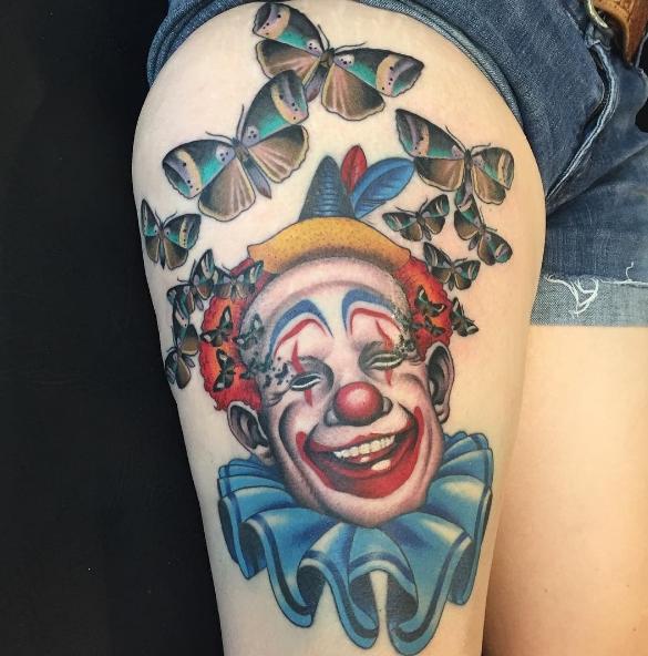 Татуировка шута с бабочками