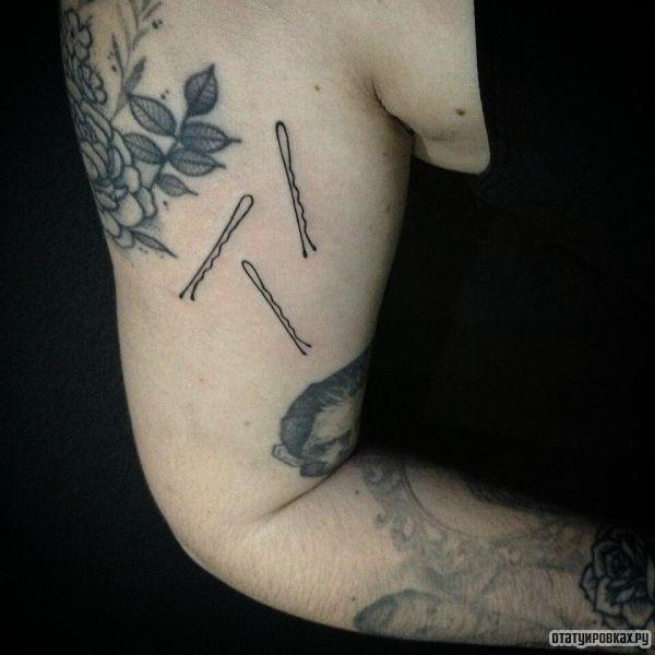 Татуировка скрепка