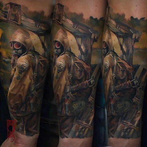 Реалистичная татуировка в виде эпизода из фильма сталкер