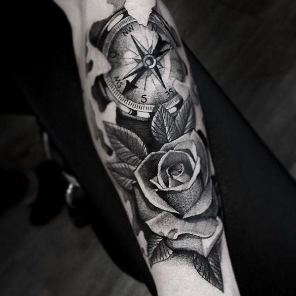Татуировка компас с розой
