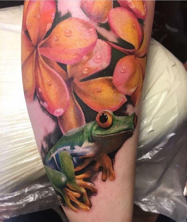 Лягушка и цветы на тату