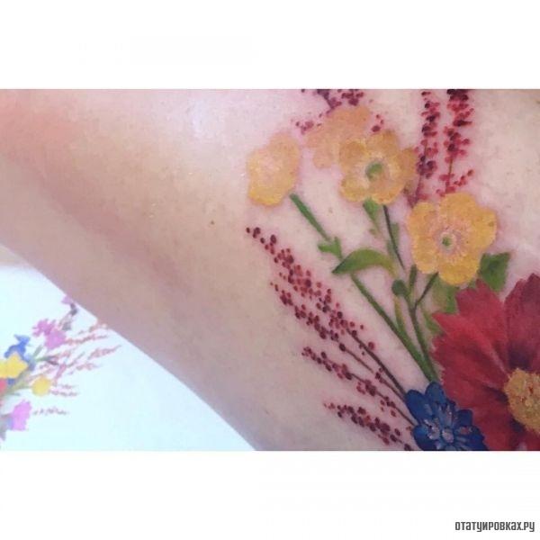 Татуировка лютик