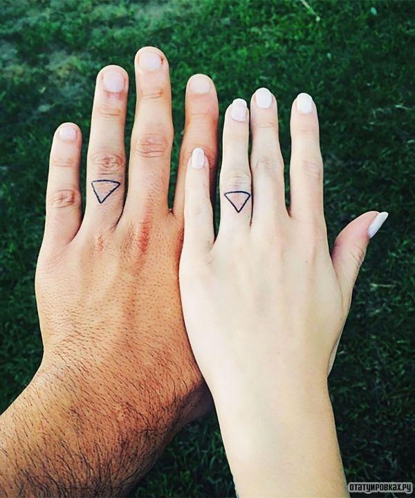Перстни в виде парной татуировки