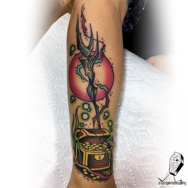 Татуировка трезубец
