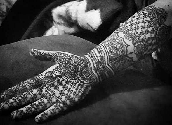 Мехенди татуировка на руке, временная