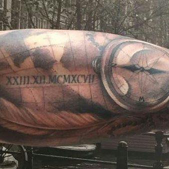 Татуировка компас и карта