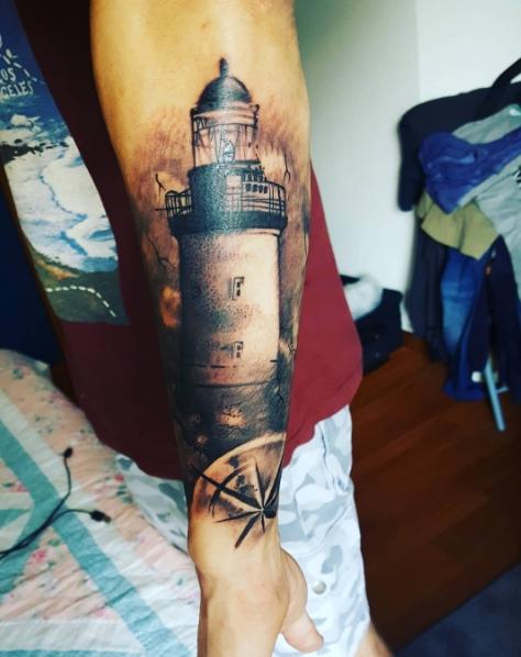 Тату маяк в 3д стиле