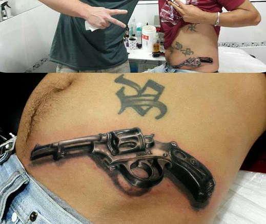 Револьвер на боку туловища