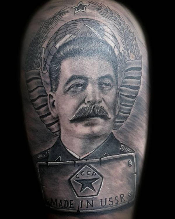 Тату портрет Сталина