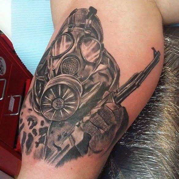 Черно-белая татуировка сталкер