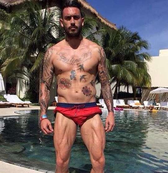 Маурисио Пинилья с татуировками