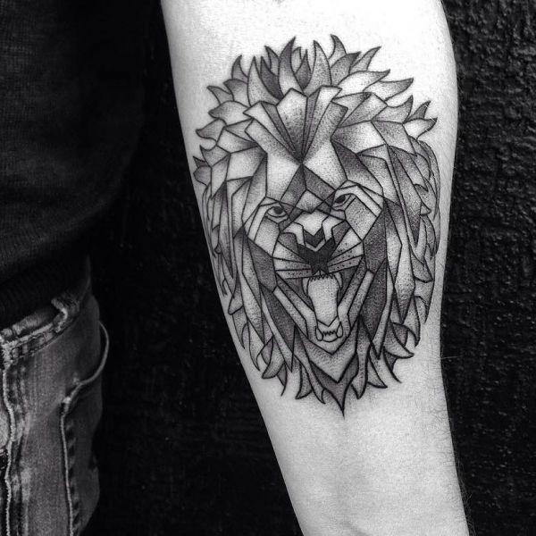 Татуировка в чб цвете в стиле геометрия