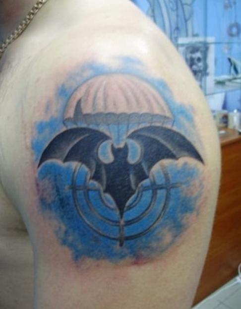 Татуировка ГРУ - парашют и летучая мышь