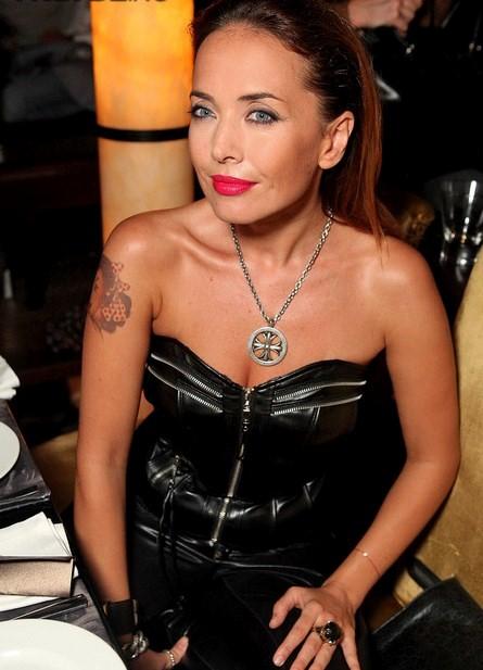 Фотография Жанны Фриске с татуировкой