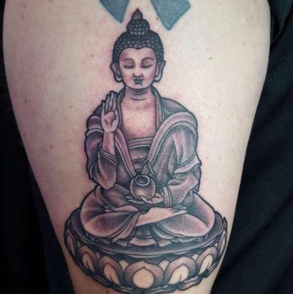 Татуировки в буддизме: мантры их символичность и сакральное значение