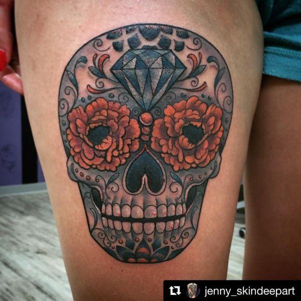Татуировка сахарный череп в мексиканском стиле
