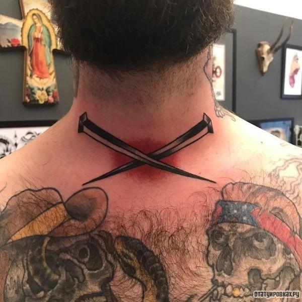 Татуировка гвозди