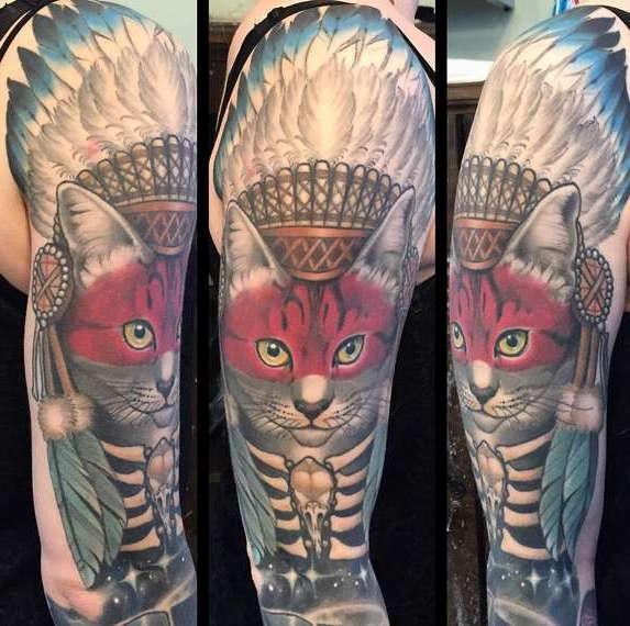 Кот в индейском стиле