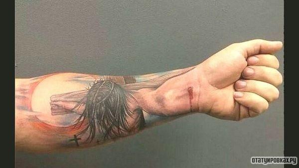 Татуировка распятие