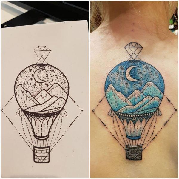 Воздушный шар в стиле геометрия с горами и месяцем