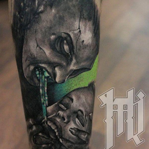 Татуировка зло со своим сюжетом