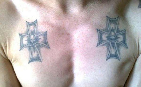 Зоновская татуировка крестов с черепами