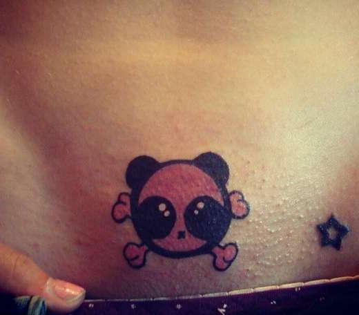 Интимная татуировка зверька