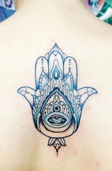 Татуировка в мусульманском стиле