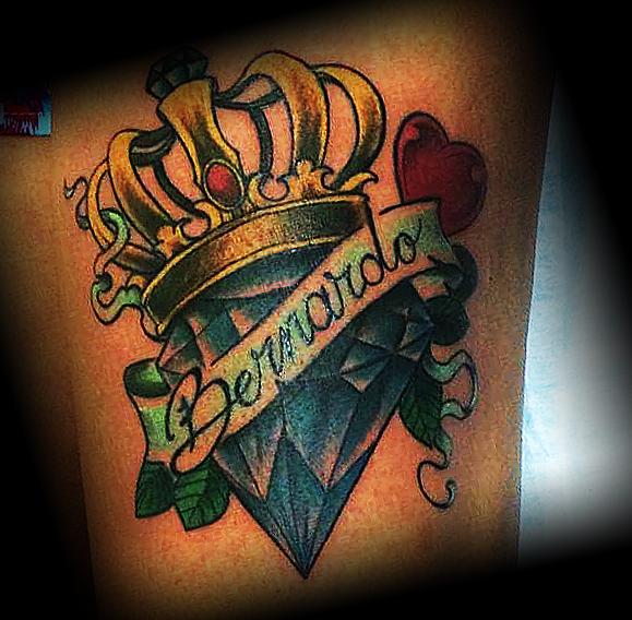 Алмаз в короне с сердцем и надписью
