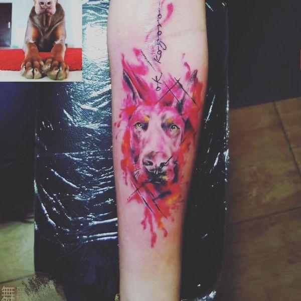 Татуировка доберман в стиле акварель